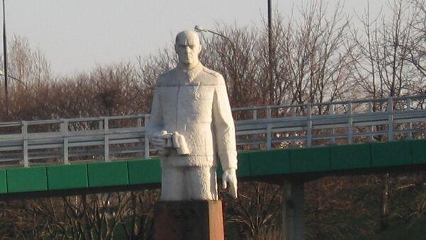 Pomnik Berlinga w Warszawie - Sputnik Polska