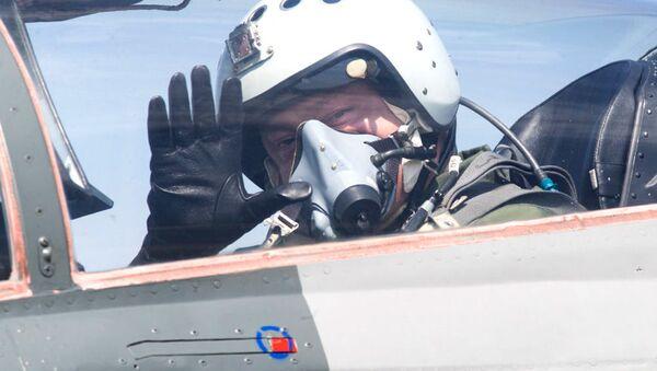 Poroszenko w kabinie MiG-29 - Sputnik Polska