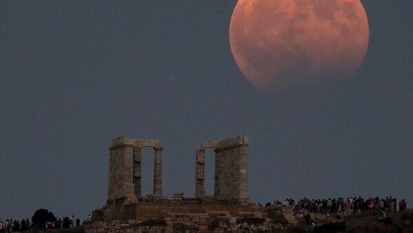 Częściowe zaćmienie Księżyca, Grecja - Sputnik Polska
