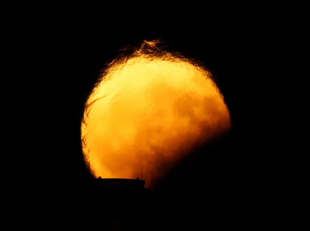 Częściowe zaćmienie Księżyca, Malta