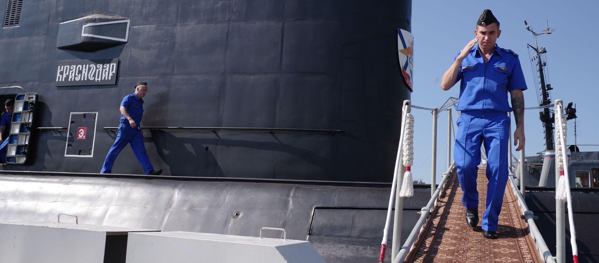Załoga nowego okrętu podwodnego Krasnodar w Sewastopolu - Sputnik Polska, 1920, 19.03.2021