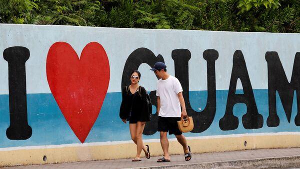 Turyści na plaży na wyspie Guam, USA - Sputnik Polska