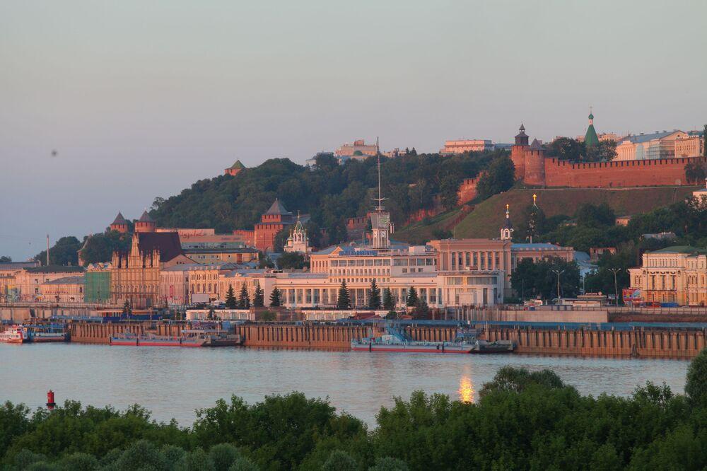 Widok na port rzeczny i  Kreml Niżnego Nowogroda