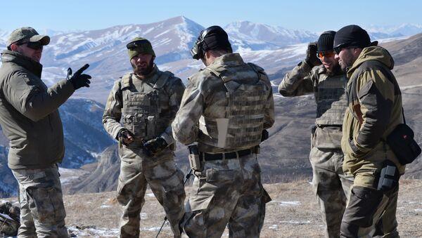 Żołnierze czeczeńskiej elitarnej jednostki specjalnej - Sputnik Polska