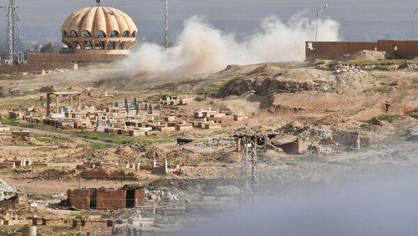 Ostrzał przez terrorystów PI pozycji Syryjskiej Republikańskiej Gwardii Narodowej na obrzeżach Dajr-az-Zaur. Zdjęcie archiwalne - Sputnik Polska