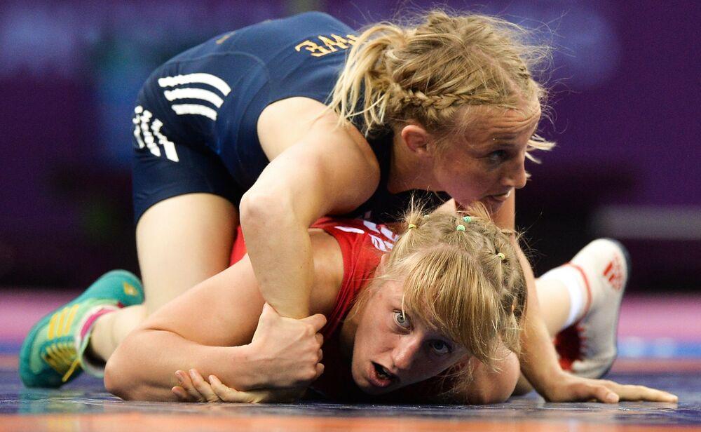 Katarzyna Krawczyk (Polska) i Sofia Mattsson (Szwecja) podczas walki na I Igrzyskach Europejskich w Baku
