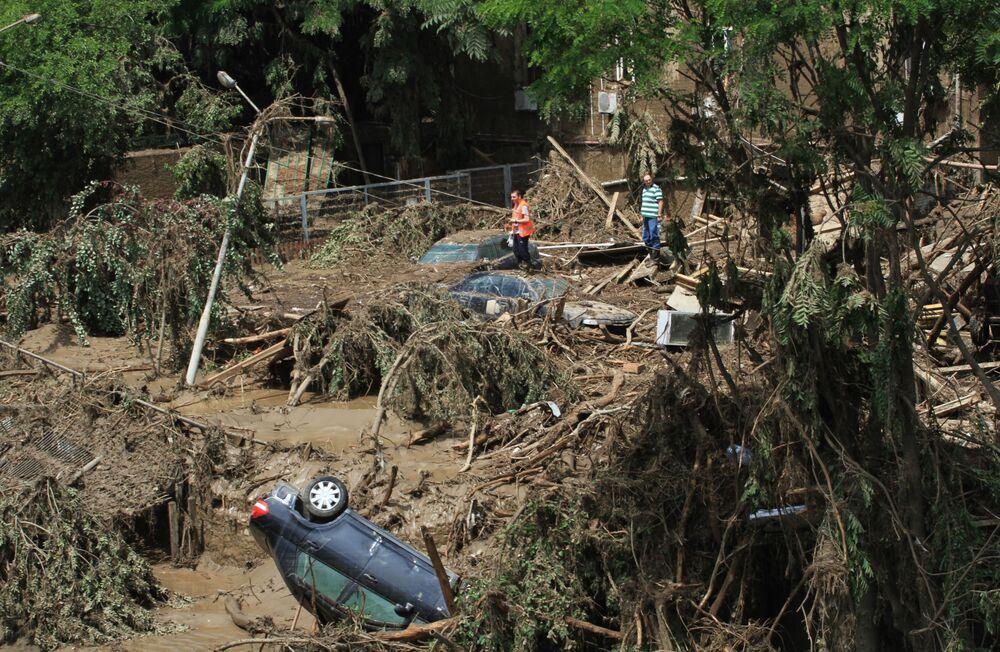 Skutki powodzi w Tbilisi