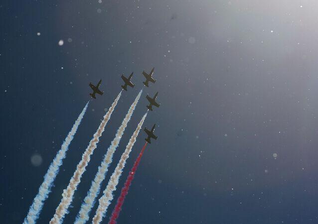 Pilotaż grupy Ruś na samolotach L-39 w Petersburgu
