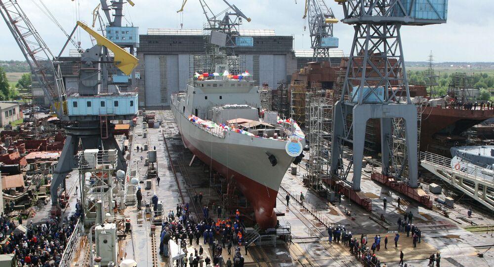 Wodowanie fregaty Trikand dla indyjskiej marynarki wojennej w Kaliningradzie