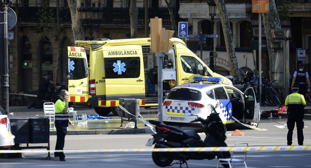 Mikrobus wjechał w tłum ludzi w centrum Barcelony 17 sierpnia 2017 roku