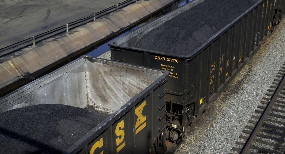 Kontenery z amerykańskim węglem