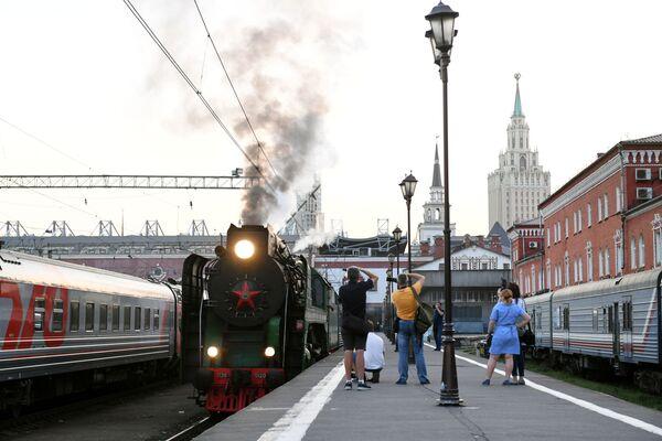Pociąg turystyczny Carska Rosja wyruszający w podróż z Moskwy do Pekinu - Sputnik Polska