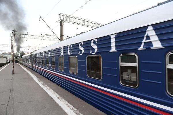 Wagon pociągu turystycznego Carska Rosja wyruszającego w podróż z Moskwy do Pekinu - Sputnik Polska