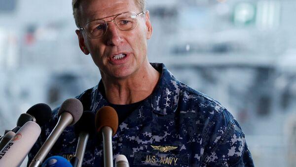 Wiceadmirał Joseph Aucoin, dowódca 7. Floty Marynarki Wojennej USA. Zdjęcie archiwalne - Sputnik Polska