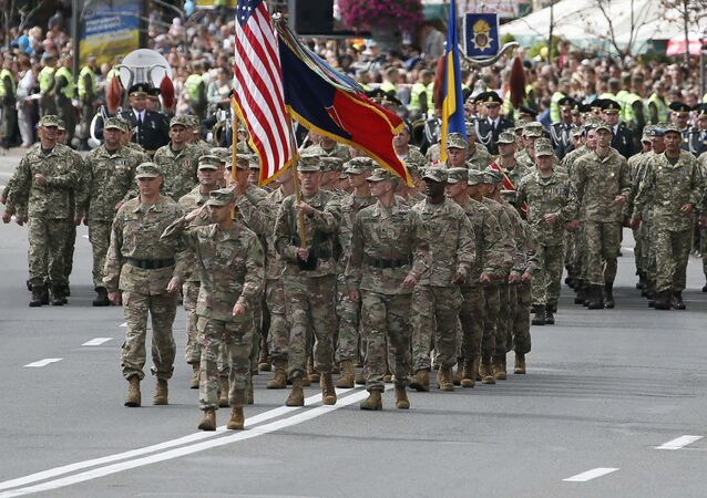 Amerykańscy wojskowi podczas parady na cześć Dnia Niepodległości Ukrainy w Kijowie
