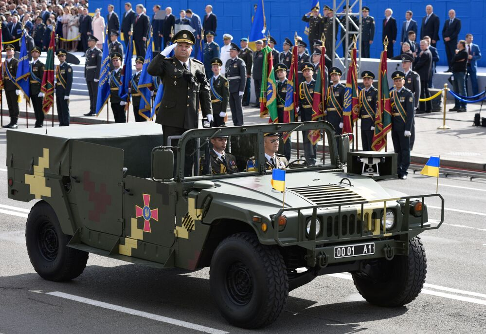 Minister obrony Ukrainy na paradzie z okazji Dnia Niepodległości Ukrainy