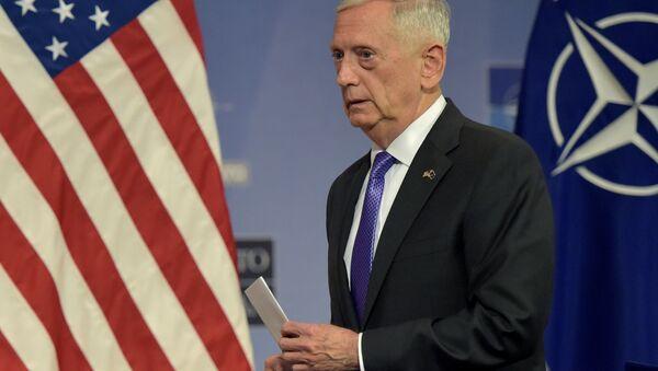 Sekretarz Obrony USA Jim Mattis w Brukseli - Sputnik Polska
