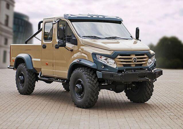 GAZ stworzył pickup na bazie ciężarówki wojskowej GAZ-33088