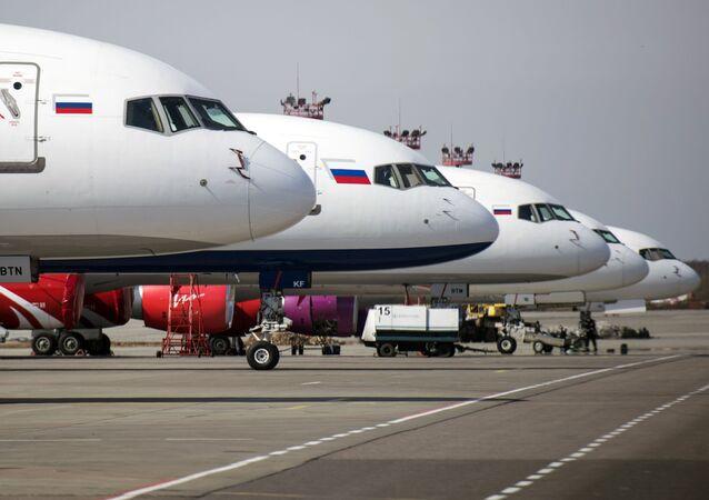 Samoloty linii lotniczej Royal Flight na lotnisku Domodiedowo