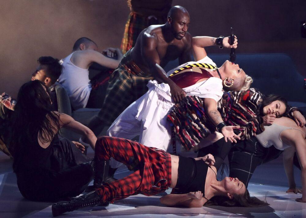 Piosenkarka Pink na ceremonii wręczenia nagród MTV Video Music Awards 2017