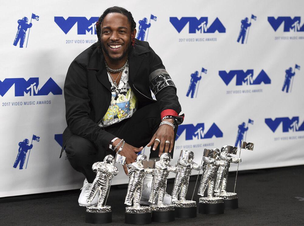 Kendrick Lamar na ceremonii wręczenia nagród MTV Video Music Awards 2017