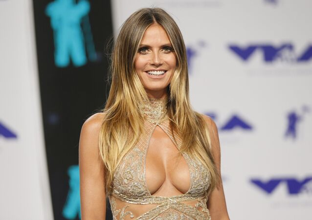 Heidi Klum na ceremonii wręczenia nagród MTV Video Music Awards 2017