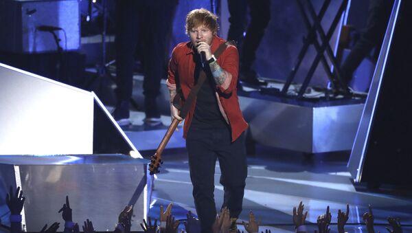 Ed Sheeran na ceremonii wręczenia nagród MTV Video Music Awards 2017 - Sputnik Polska