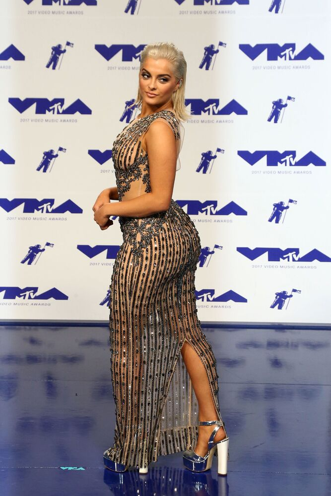 Piosenkarka Bebe Rexha na ceremonii wręczenia nagród MTV Video Music Awards 2017