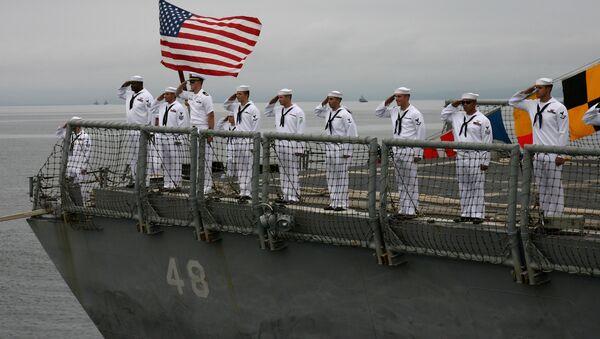 Amerykańscy wojskowi na fregacie marynarki wojennej USA - Sputnik Polska