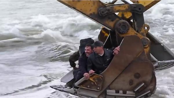 Oni wiedzą, jak się przeprawić przez rzekę - Sputnik Polska