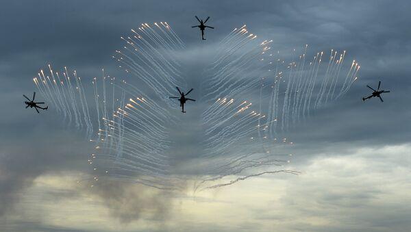 Śmigłowce Mi-28 w akcji - Sputnik Polska