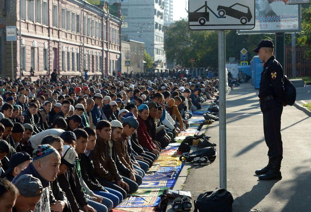 Święto Ofiarowania Kurban Bajram przed Moskiewskim Meczetem