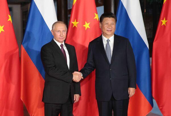 Spotkanie Władimira Putina z Xi Jinpingiem - Sputnik Polska