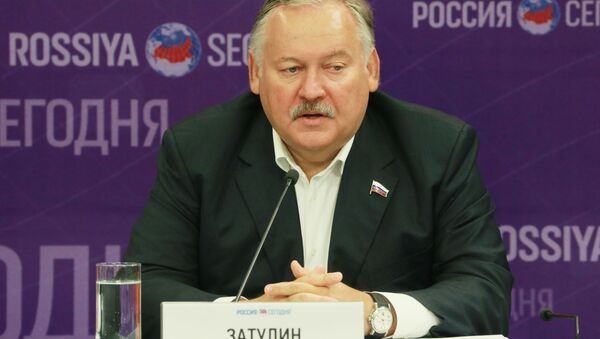 Pierwszy wiceprzewodniczący Komisji ds. WNP, Integracji Euroazjatyckiej i Kontaktów z Rodakami Dumy Państwowej Rosji Konstantin Zatulin - Sputnik Polska