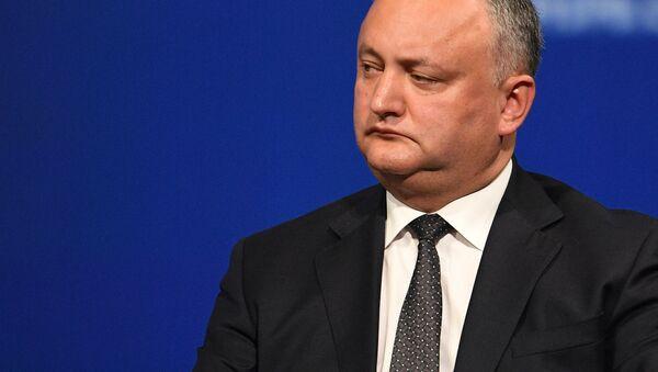 Prezydent Mołdawii Igor Dodon na posiedzeniu plenarnym Międzynarodowego Forum Ekonomicznego w Petersburgu w 2017 roku - Sputnik Polska