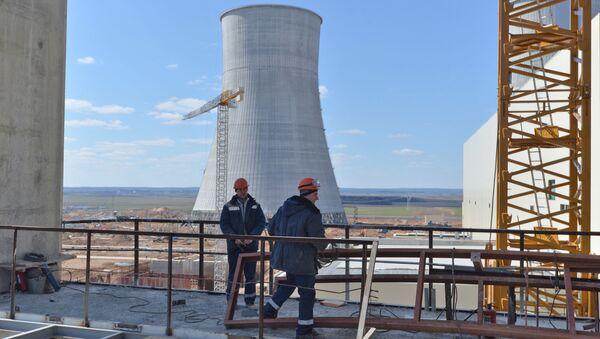 Robotnicy na placy budowlanym Białoruskiej Elektrowni Jądrowej w Ostrowcu - Sputnik Polska
