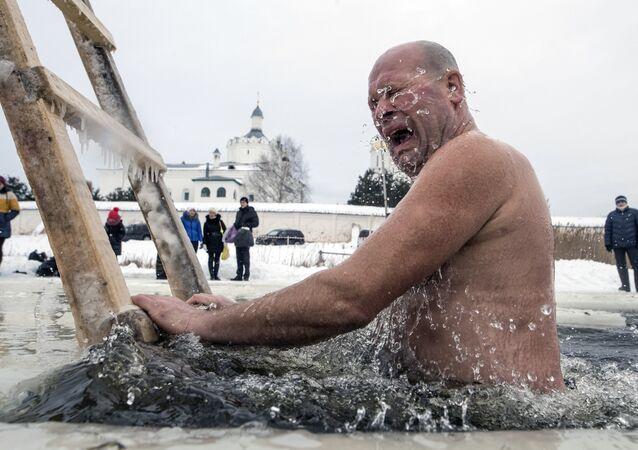 Mężczyzna w wodzie