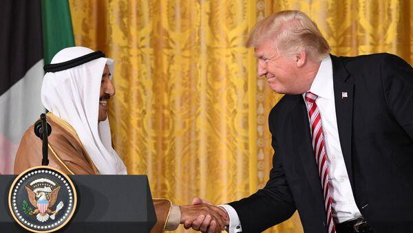 Emir Kuwejtu szejk Sabah al-Ahmad al-Dżabir as-Sabah i prezydent USA Donald Trump na spotkaniu w Waszyngtonie - Sputnik Polska