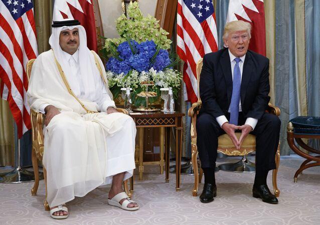 Prezydent USA Donald Trump i emir Kataru Tamim ibn Hamad Al Sani