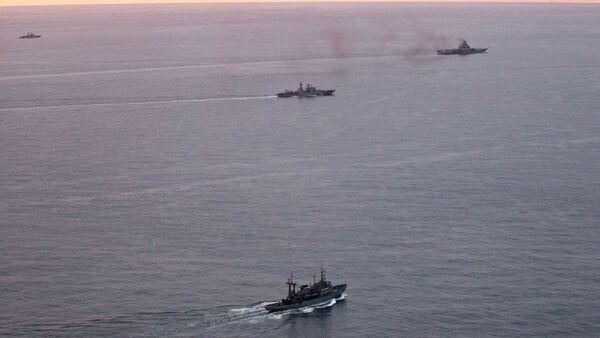 Oddział okrętów Floty Północnej kontynuuje rejs w wodach arktycznych - Sputnik Polska
