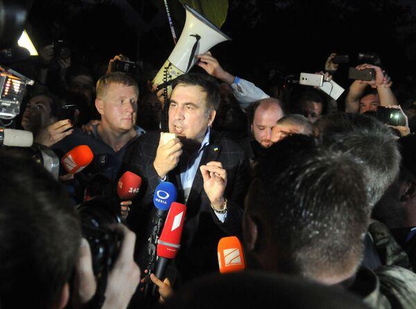Były prezydent Gruzji, były gubernator obwodu odesskiego Michaił Saakaszwili na przejściu granicznym Szeginie - Sputnik Polska