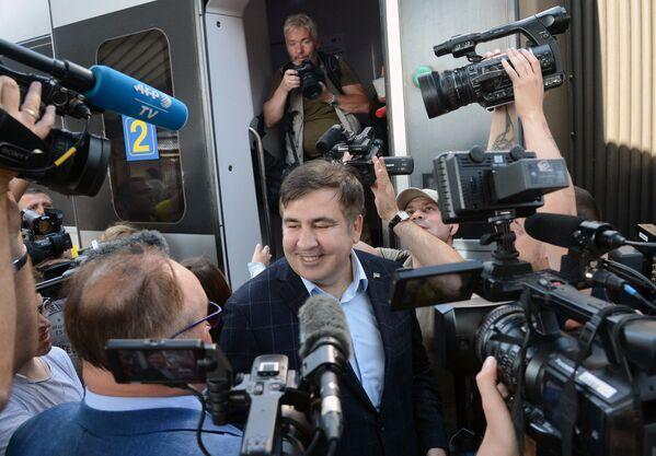 Były prezydent Gruzji Michaił Saakaszwili na stacji kolejowej w Przemyślu - Sputnik Polska