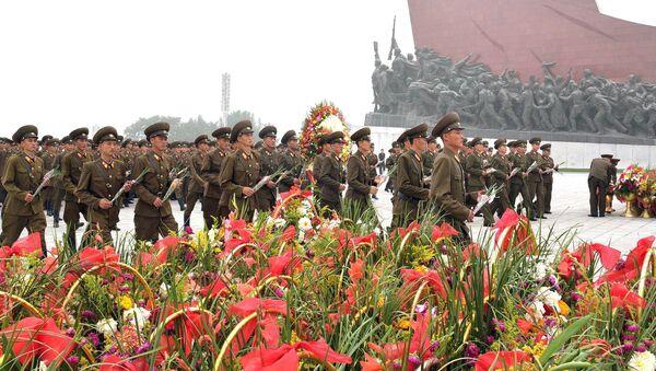 Północnokoreańscy żołnierze w Pjongjangu - Sputnik Polska