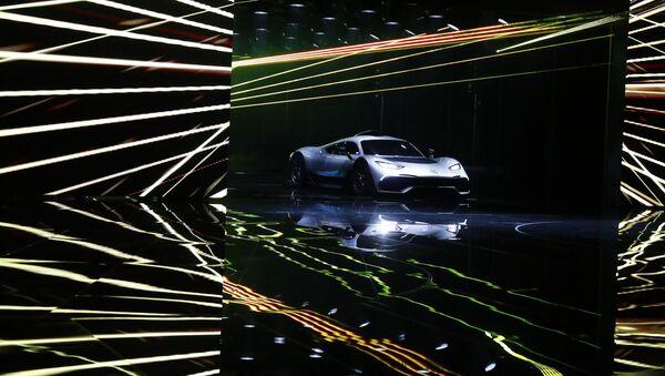 Mercedes AMG Project One na Międzynarodowym Salonie Motoryzacyjnym we Frankfurcie - Sputnik Polska