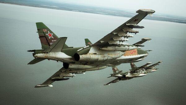 Samoloty szturmowe Su-25SM3 w czasie specjalnego szkolenia załogi w Primorsko-Achtarsku - Sputnik Polska