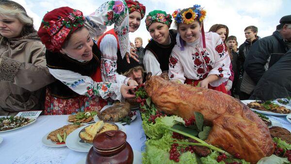 Święto wieprzowiny w Mirgorodzie, Ukraina - Sputnik Polska