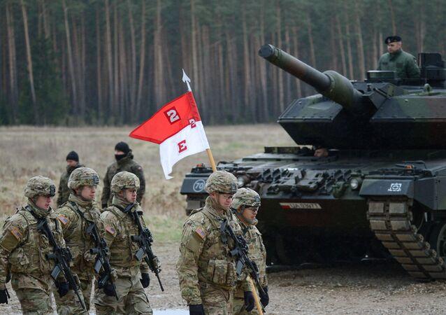 Uroczystość powitania wielonarodowego batalionu NATO pod przywództwem Stanów Zjednoczonych w Polsce