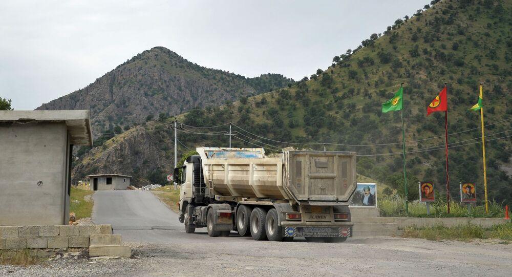 Granica terytorium Partii Pracujących Kurdystanu (PKK) w Górach Kandil w irackim Kurdystanie