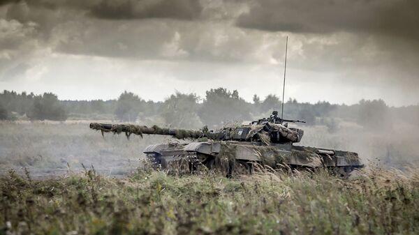 Czołg podczas ćwiczeń wojskowych Dragon-17 w Polsce - Sputnik Polska