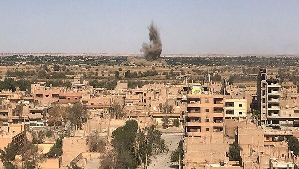 Widok na Dajr az-Zaur, gdzie trwają walki między syryjską armią i terrorystami PI - Sputnik Polska